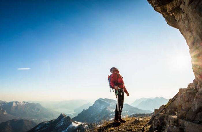 Dựa vào núi thì núi sẽ đổ, dựa vào người thì người sẽ rời đi, chỉ có thể dựa vào chính mình