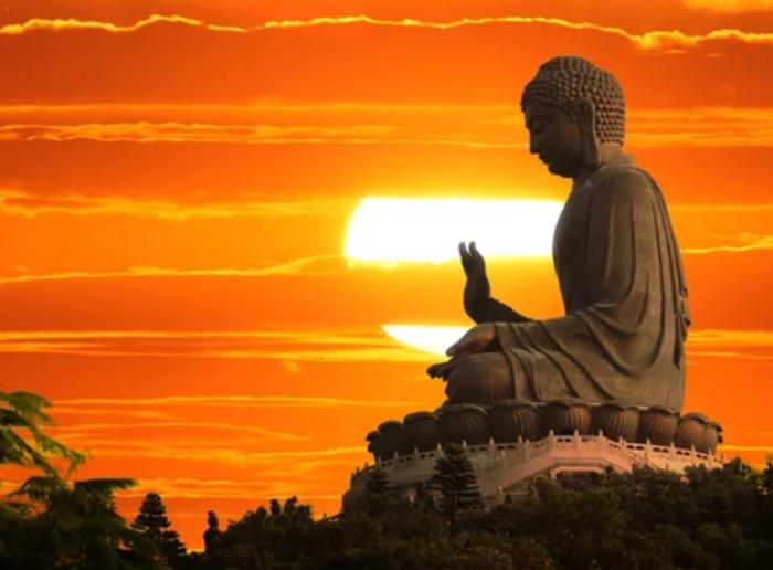 Cuộc sống luôn tiếp diễn từng ngày. Đờì này nối tiếp đời kia. Đức Phật dạy có được tấm thân người rất khó. Chịu khổ trong đời là để tiêu nghiệp, rồi sẽ có tương lai tốt đẹp hơn.