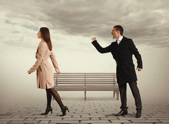 chồng gia trưởng độc đoán; chồng gia trưởng ích kỷ; chồng gia trưởng ghen tuông