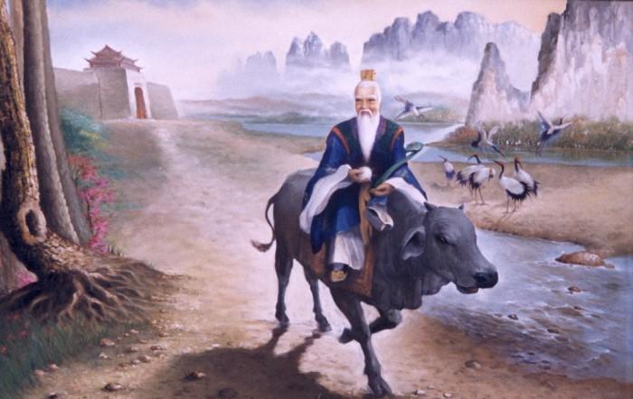 Sử sách ghi lại rằng Lão Tử sống vào khoảng thời gian từ năm 571 – 471 trước công nguyên. Ông là người làng Khúc Nhân, huyện Khổ, nước Sở thời Xuân Thu. Lão Tử là ông tổ về Đạo, là bậc tiên hiền trong lịch sử. Cuốn Đạo Đức Kinh của ông đã để lại cho người đời sau những triết lý nhân sinh sâu sắc.